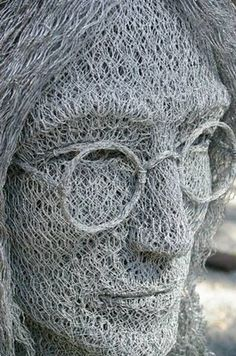 Amazing sculptures created in galvanised chicken wire by Ivan Lovatt - 13 Pics   Curious, Funny Photos / Pictures