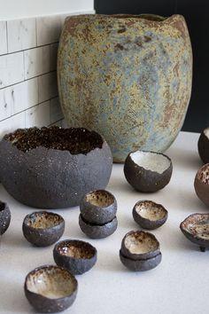 Open Studio - Sian Tonkin Ceramics I just love these gorgeous organic shapes and colours Raku Pottery, Pottery Sculpture, Sculpture Clay, Ceramic Sculptures, Slab Pottery, Thrown Pottery, Ceramic Pinch Pots, Ceramic Clay, Ceramic Plates