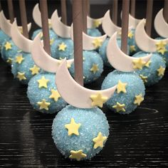 New Cake Pops Baby Shower Boy Sweets 69 Ideas Baby Shower Cakes, Baby Shower Themes, Baby Boy Shower, Baby Shower Decorations, Shower Ideas, Mooncake, Baby Reveal Cakes, Chocolate Favors, Moon Party