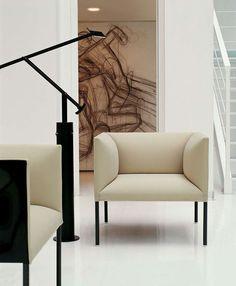 Poltrona Hollow - Design of Patricia Urquiola. Find