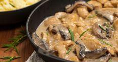 Elegáns, mégis egyszerűen elkészíthető, a Stroganoff bélszín kistestvére csirkéből készül. Ground Beef Stroganoff, Homemade Beef Stroganoff, Chicken Stroganoff, Stroganoff Recipe, Boeuf Stroganoff Rezept, Cooking Cream, One Pot Chicken, Quick Recipes, Beef Stroganoff