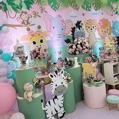 Festa Safari Baby, Safari Theme Party, 2nd Birthday Party For Girl, Baby Party, Giraffe Birthday, Animal Birthday, Baby Shower Fall, Animal Party, Birthday Decorations