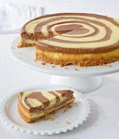 Schoko-Kokos-Zebrakuchen: Sieht raffiniert aus, ist aber total simpel und schmeckt lecker nach Schoko, Käsekuchen und Kokos.