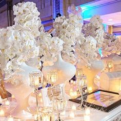 Phalaenopsis Galore! They look stunning when cascading so we mixed up a variety of vases in different heights.  #orchid #winkdesignandevents #wedding #design #decor #weddingreception #weddingplanner #eventprofs #weddingdesigner #floral #tablescape #graceormonde #theknot #nola #flowers #bride #followyournola #neworleans #nolawedding #luxurywedding #southernwedding #neworleanswedding #weddinginspiration #neworleansweddingplanner #weddingideas #flowermagic #nolalove  #weddingdecor #beautiful…