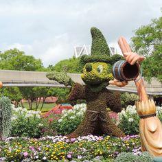 Mickey in the 2015 Epcot Garden Festival
