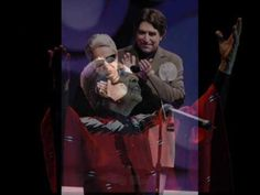 Chavela Vargas y Joaquín Sabina - Noches de Bodas - YouTube