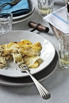 Gratinado de batatas com bacalhau e ameijoas | Potatoes, cod and clams gratin