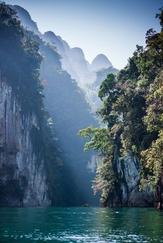 Khao Sok National Park and wildlife sanctuary forms the largest and most dramatic tract of virgin rain forest in southern Thailand offering you some of the best hiking trails.