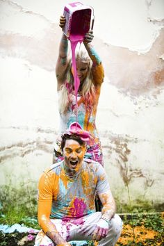 Mad, exciting, colourful and painty engagement shoot David Rachel fun engagement photography by Lucy Couple Photography, Engagement Photography, Photography Poses, Wedding Photography, Engagement Couple, Engagement Pictures, Engagement Shoots, Country Engagement, Creative Photos