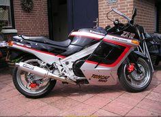 1988 Kawasaki ZX-10 Tomcat 1000