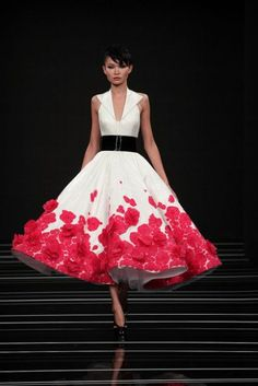 Fun! Would look great on a girl with a more substantial top half to balance out the attentive bottom half. -jen Georges Hobeika