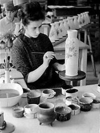 Arabian keramiikan tekoa / 1967 / Nationaal Archief Finland, Glass Of Milk, Tableware, Food, Creativity, Dinnerware, Tablewares, Essen, Meals