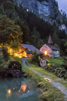 Calfeisental: Excursion tip for connoisseurs - Sankt Martin and Gigerwaldsee - Dreamy location in Switzerland – Sankt Martin - Holiday Places, Holiday Destinations, Travel Destinations, Places To See, Places To Travel, Places In Switzerland, Adventure Is Out There, Solo Travel, Travel Pictures