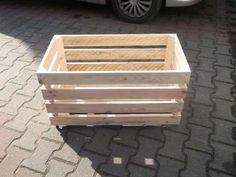 50 zł: Oferujemy Państwu solidne i pojemne drewniane skrzynie o wymiarach 60 cm x 40 cm 30 cm.  Skrzynki są przez nas wykonane od podstaw z desek o grubości 10mm.  Dla zapewnienie komfortu użytkowania, k...