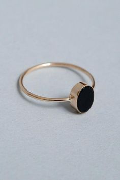 Monologue Vintage Party Jewelry Black imitation Onyx Ring For Women Yellow Gold Color Rings Size Delicate rings Tiffany Jewelry, Gold Jewelry, Jewelry Rings, Jewelry Accessories, Women Jewelry, Jewelry Design, Gold Bracelets, Jewelry Shop, Antique Jewelry
