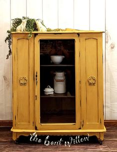 The Bent Willlow put the perfect color on this cabinet!!  Goldenrod never disappoints 🤩 www.wiseowlpaint.com #wiseowlpaint #yellow #painted #furniture #cabinet #goldenrod