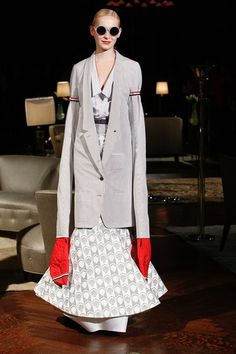 See the complete Thom Browne Spring 2012 Ready-to-Wear collection.