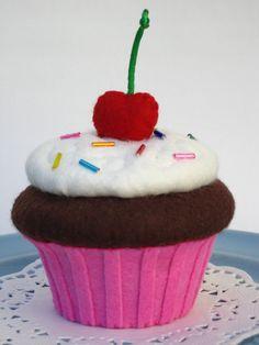 felt Cupcake het bakje kan van oude boorden gemaakt worden