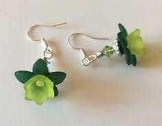 Boucles d'oreilles lucites vertes