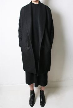 Ideas Pointy Ankle Boats Outfit Black Minimal Chic For 2019 Minimal Chic, Minimal Fashion, Mode Outfits, Fashion Outfits, Womens Fashion, Jackets Fashion, Fashion Room, Fashion Ideas, Look Fashion