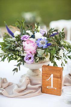 Wooden Sign: Crème de Papier (Numéro de table en bois) Photographer: Philip Andrukovich Wedding Planner: Laura Dova Weddings Anastacia & Anton's wedding