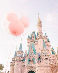 Disneyland Photos 2019 - Was auch immer wahr ist, was edel ist, was rein ist, was auch immer schön ist . Disney Magic, Walt Disney, Disney Art, Disney Pixar, Disney Theme, Disney Movies, Disney World Fotos, Disney World Pictures, Disney Worlds