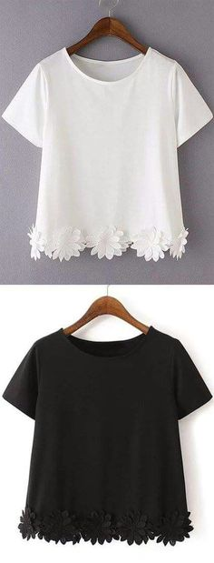 This Flowers top is perfect to throw over any outfit to stay comfortable while still looking beautiful. Pair this top with a colorful tank top, bandeau, or bikini top that can peek out from underneath (Diy Ropa Playera) Casual T Shirts, Casual Outfits, Summer Outfits, Cute Outfits, Easy Outfits, Casual Dresses, Diy Kleidung, Diy Fashion, Womens Fashion