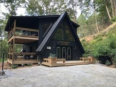 A Frame House Kits, A Frame House Plans, A Frame Cabin, Small House Kits, Tiny House Cabin, Cabin Homes, Casas Containers, Cabins And Cottages, Apartment Therapy