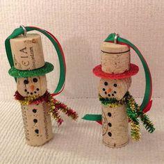 13 Adornos navideños con corchos para decorar el árbol de navidad ~ lodijoella