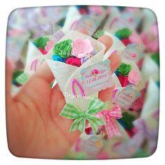 ♥ Tiryaki Hobi ♥: Keçe bebek şekeri / doğumgünü magneti - gül buketi (Nefin Bilge)  -----   felt rose bouquets