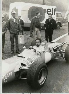 Henri Pescarolo in a Matra Cosworth FVA of the works team (Matra Sports) in 1968 in what looks like to be the shooting of an Elf Oils commercial. Track is possible Rouen-les-Essarts - If somebody knows more, feel free to comment Sport En France, Automobile, Old Race Cars, Rouen, F1 Drivers, Car Posters, Sports Photos, Car And Driver, Formula One