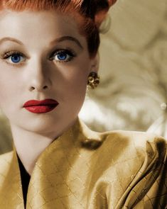 Lucille Ball - I love my Lucy! Lucille Ball, Old Hollywood Glam, Hollywood Icons, Classic Hollywood, Hollywood Stars, Hollywood Actresses, I Love Lucy, Vintage Glamour, Vintage Beauty