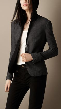 Explore all women's clothing from Burberry including dresses, tailoring, casual separates and more in both seasonal and runway designs Casual Work Outfits, Business Casual Outfits, Business Attire, Work Casual, Cute Dresses For Teens, Casual Dresses For Women, Suits For Women, Women Wear, Mode Sombre