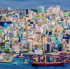 Like no other island city in the world, Male of the Maldives ///
