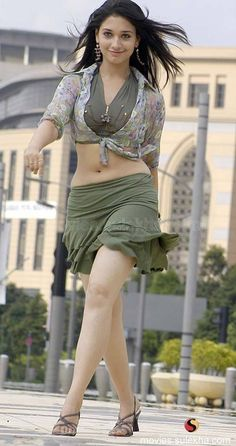 tamanna-apr17-new-stills-12.jpg (500×945)