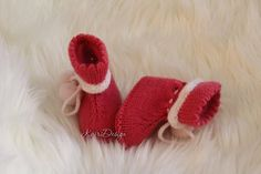 Baby girl knitted merino booties- shoes- crib- babyshower- booty with pompom- gift for reborn- newborn knittings- baby knittings- handknits Baby Booties, Baby Knitting, Crib, Babyshower, Booty, Etsy Shop, Gifts, Shoes, Crib Bedding
