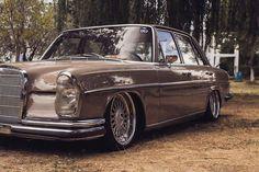 Bagged Mercedes-Benz W109