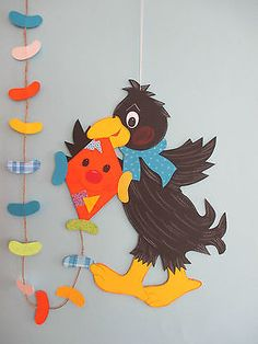 Diy And Crafts, Paper Crafts, Classroom Decor, Early Childhood, Tweety, Projects To Try, Greeting Cards, Activities, Cute