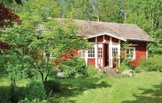 Holiday home Bok�n Hallabro Hallabro Holiday home Bok?n Hallabro is a detached holiday home is located in Hallabro and is 41 km from Karlskrona. It provides free private parking.  There is a seating area, a dining area and a kitchen. A TV is provided.