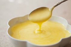 Easy, delicious and healthy Easy Blender Hollandaise Sauce recipe from SparkRecipes. See our top-rated recipes for Easy Blender Hollandaise Sauce. Molho Hollandaise, Blender Hollandaise, Recipe For Hollandaise Sauce, Sauce Recipes, Seafood Recipes, Cooking Recipes, Chef John Recipes, Seafood Boil, Butter