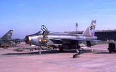 LIGHTNING XR725 BA 11st SQDN RAF Lightning Aircraft, Air Force Aircraft, Military Jets, Royal Air Force, Vintage Pictures, Beautiful Birds, Great Britain, Vintage Posters, Airplane