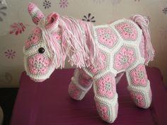 Fieke's haaksels en meer: Pony