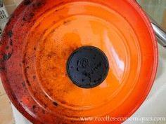 Un spray nettoyant maison qui nettoie tout, super efficace et économique 75 cl d eau chaude sur 3cas de cristaux de soude 150 g  vinaigre 30 g de produit 10 g d huile essentiela vaisselle