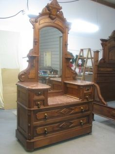 Beautiful Eastlake Victorian Bed and Dresser.