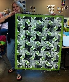 Bonnie Hunter's Star struck quilt-green, black and white