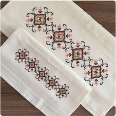 #alıntı #kanaviçe #çarpıişi #sablon #havlu Cross Stitch Borders, Bargello, Le Point, Crosses, Towels, Cross Stitch Embroidery, Bathroom Towels, Embroidered Towels, Bedding