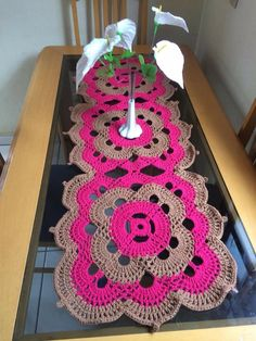 Crochet Freetress - How to Crochet For Beginners Crochet Table Runner Pattern, Crochet Flower Patterns, Crochet Tablecloth, Crochet Designs, Crochet Flowers, Pattern Designs, Crochet Chart, Crochet Motif, Crochet Doilies