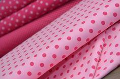 Jersey Punkte Artikel-Nr. 9204.11-17 Jersey / Rosa-Pinktöne Material: 95% Baumwolle, 5% Elastan Breite: 150 cm *Ab 60 Euro ist der Versand innerhalb Deutschlands kostenlos. Wir halten die...