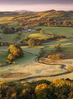 U.K. Autumn morning in Lake District, Cumbria, England // by Paul R. Byrne via Flickr