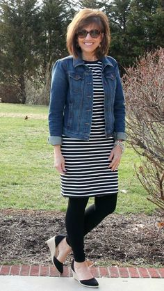 It's Day 15 of my 28 Days of Spring Fashion and I seem to have a thing for stripes lately! ‪#‎ootd‬ ‪#‎whatiwore‬ ‪#‎graceandbeautystyle‬ ‪#‎springfashion‬ ‪#‎oldnavy‬